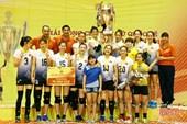 Nguyễn Linh Chi - Bùi Thị Ngà cùng đội tuyển Việt Nam đăng quang tại VTV Cup 2018